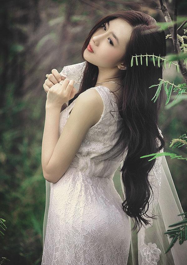 """Hot girl Cầu Trường Rực Lửa hóa thành """"cô dâu ma mị"""" - Ảnh 8"""