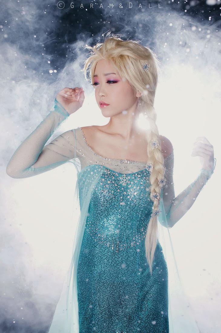 Tomia hóa thân thành nữ hoàng băng giá Elsa - Ảnh 1