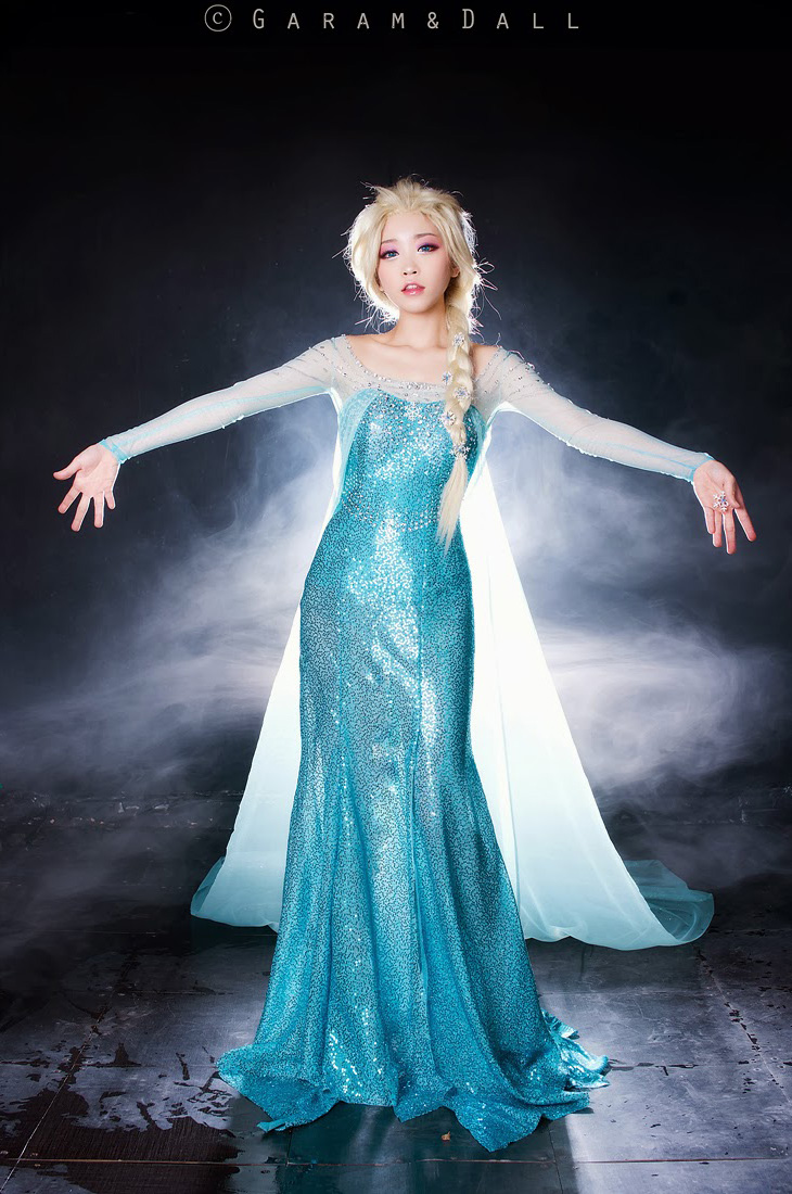 Tomia hóa thân thành nữ hoàng băng giá Elsa - Ảnh 2