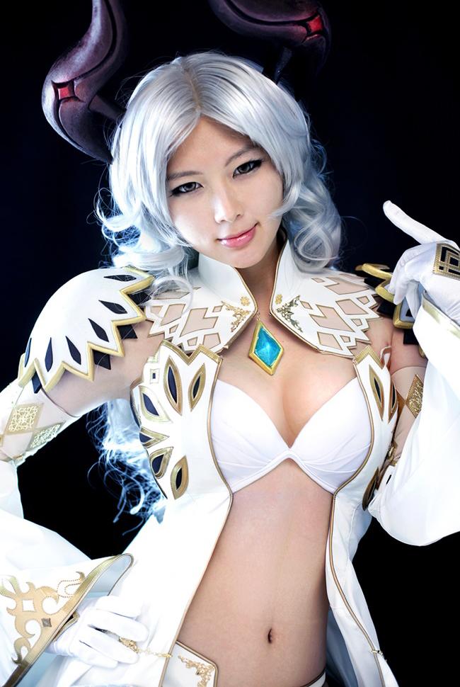 Doremi quyến rũ với cosplay Priest trong Tera Online - Ảnh 1