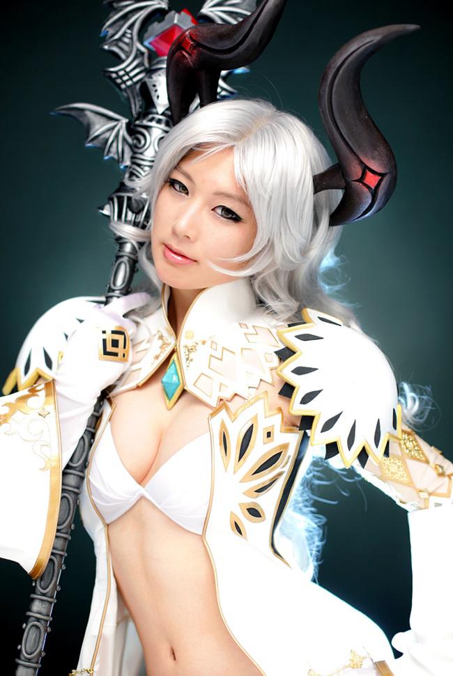 Doremi quyến rũ với cosplay Priest trong Tera Online - Ảnh 9