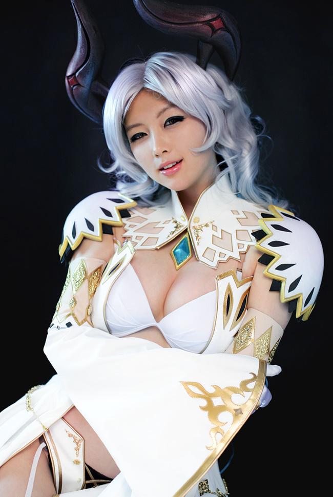 Doremi quyến rũ với cosplay Priest trong Tera Online - Ảnh 11