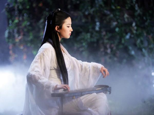 Tiểu Long Nữ trở thành pet trong Hoành Tảo Thiên Hạ 1