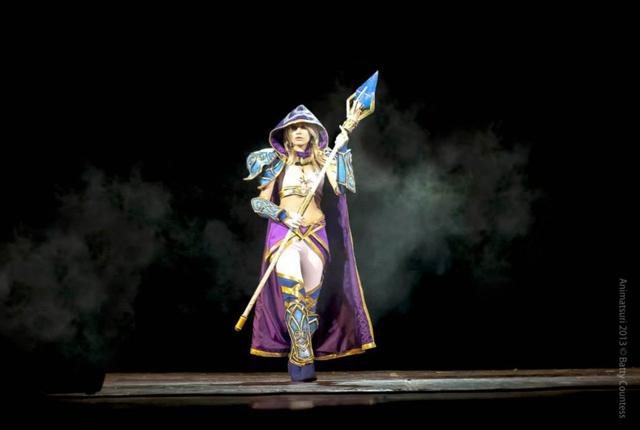 Jaina bước từ Warcraft III ra ngoài đời thực - Ảnh 1
