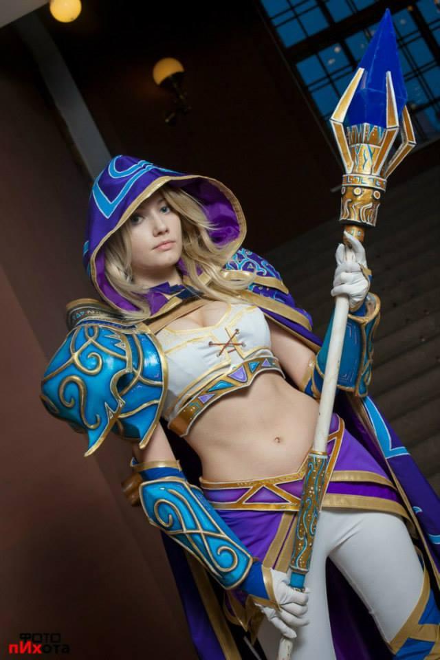 Jaina bước từ Warcraft III ra ngoài đời thực - Ảnh 7