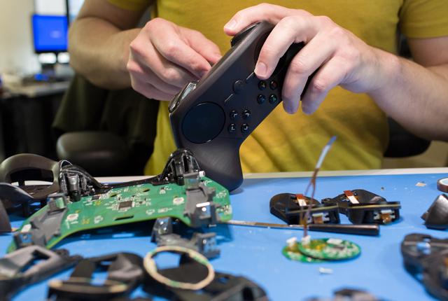 Valve trình làng Steam Controller phiên bản mới 2