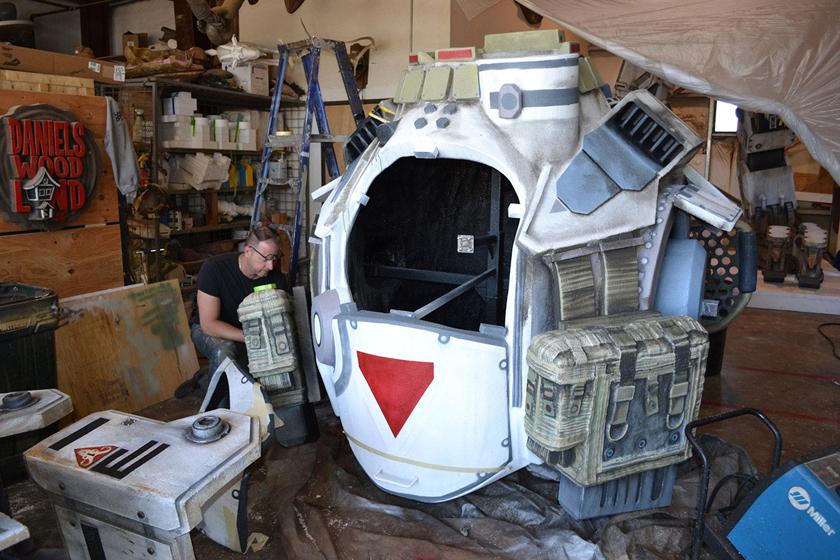 Chế tác robot trong Titanfall ở ngoài đời thực - Ảnh 21