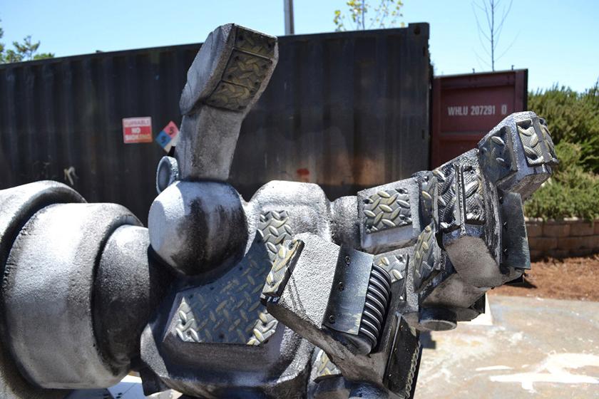 Chế tác robot trong Titanfall ở ngoài đời thực - Ảnh 22