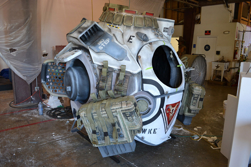 Chế tác robot trong Titanfall ở ngoài đời thực - Ảnh 23