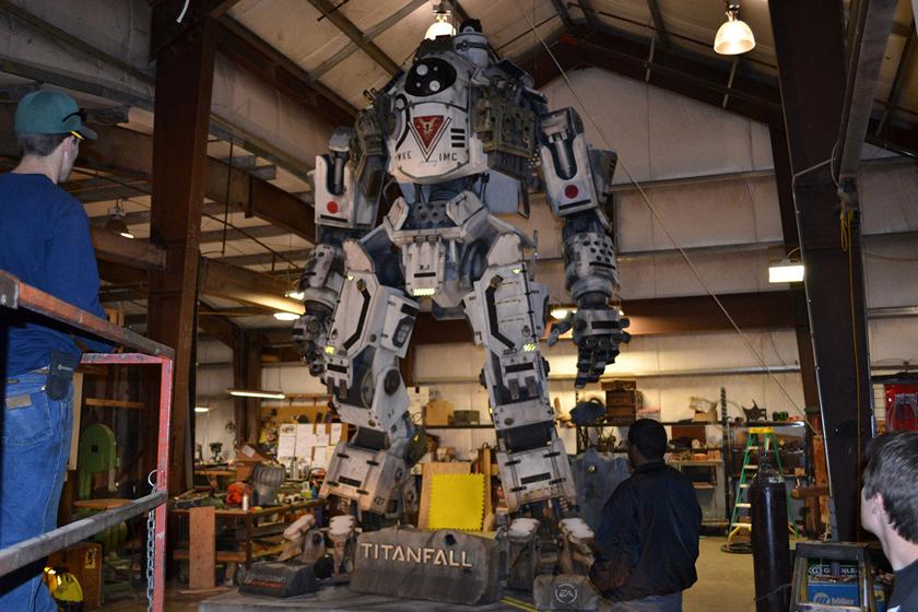 Chế tác robot trong Titanfall ở ngoài đời thực - Ảnh 24