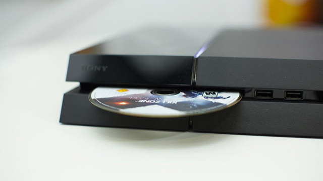 Giá bán PlayStation 4 tăng thêm 50 đô ở Canada 2