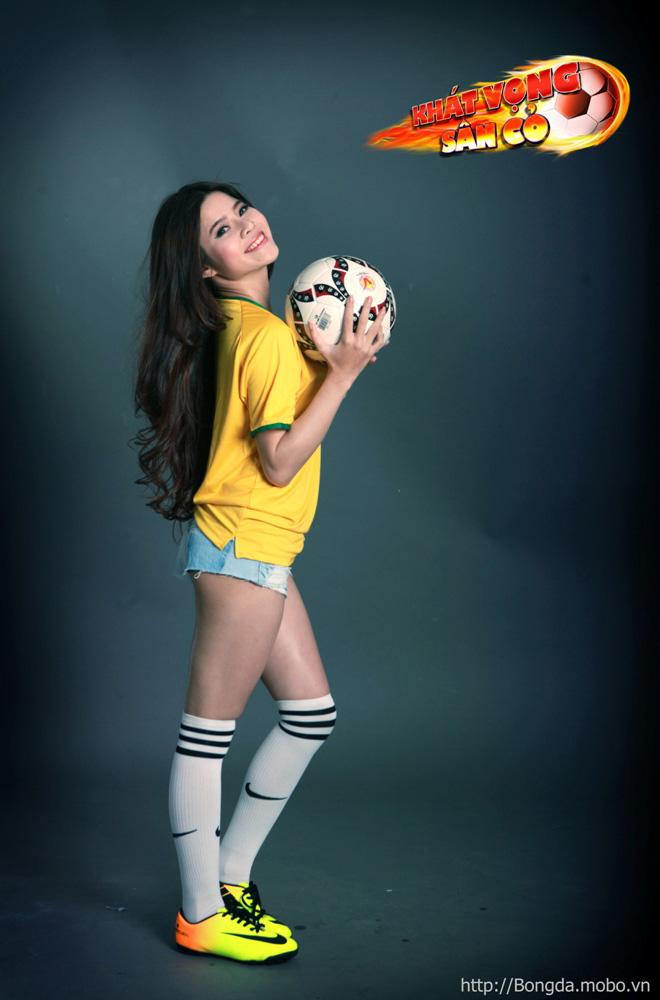 Ngắm hot girl trong ảnh quảng bá Khát Vọng Sân Cỏ - Ảnh 3