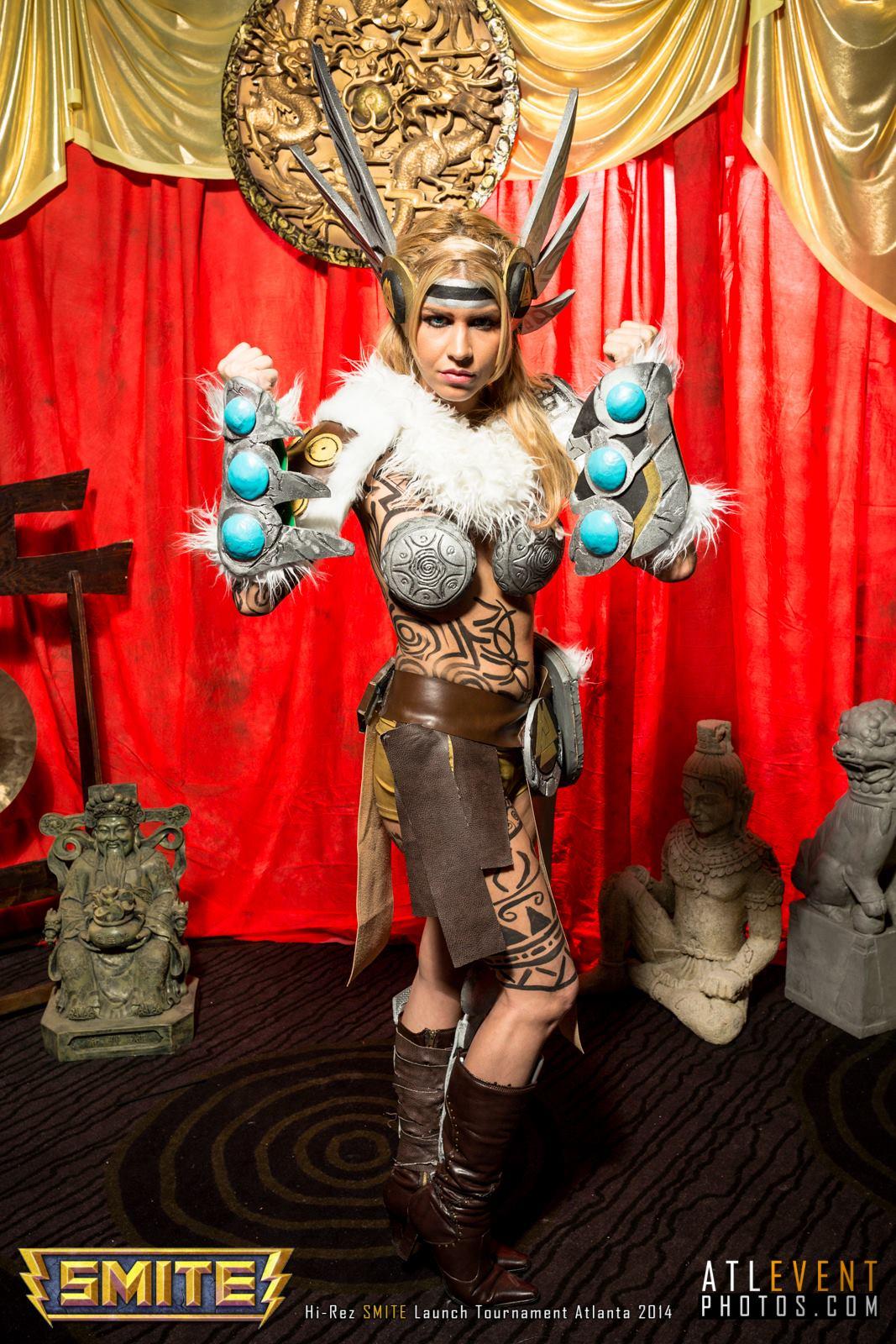 Ngắm cosplay tại SMITE Launch Tournament - Ảnh 2