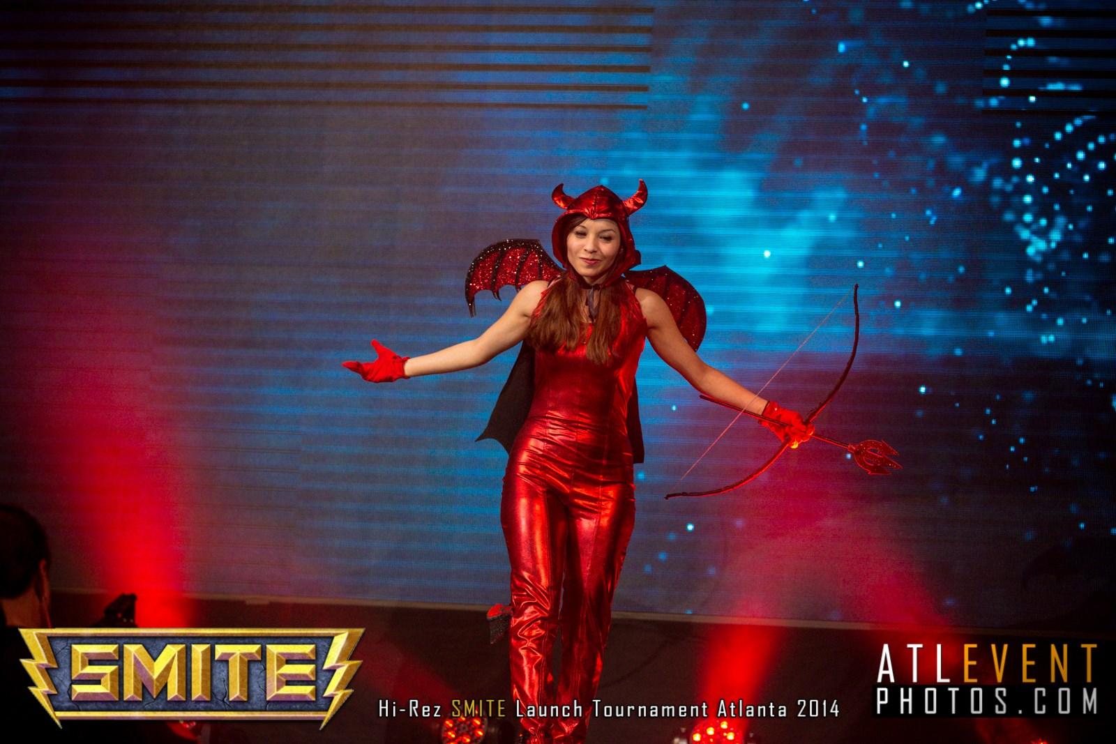 Ngắm cosplay tại SMITE Launch Tournament - Ảnh 13