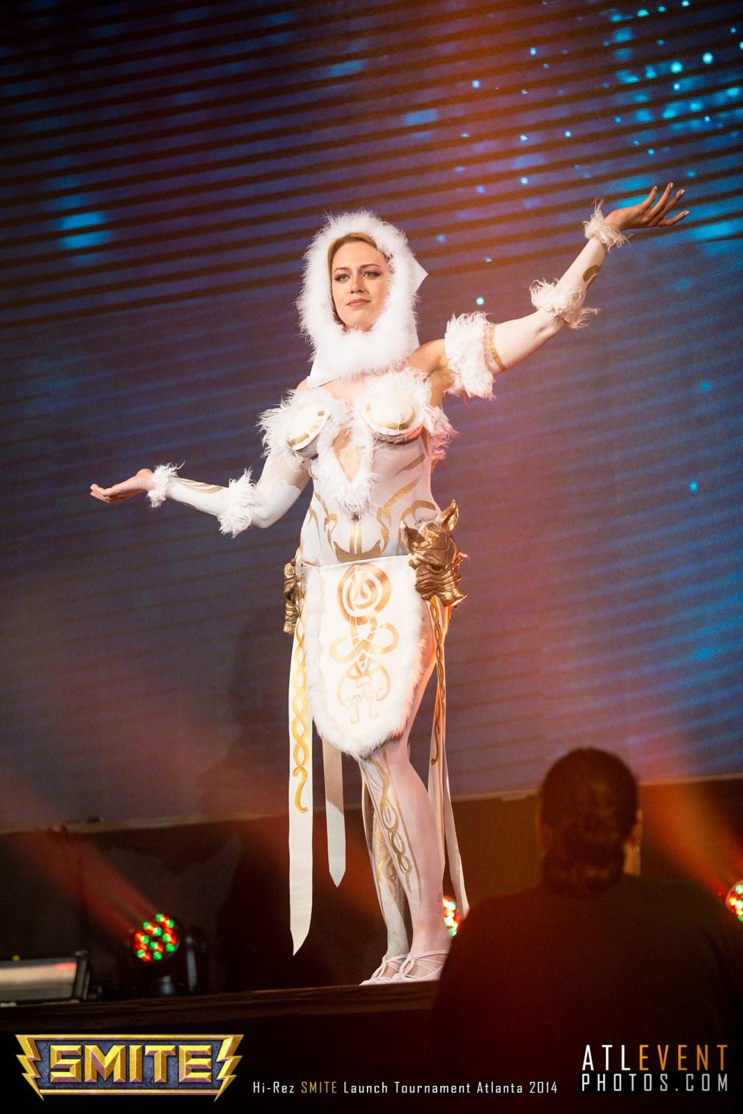 Ngắm cosplay tại SMITE Launch Tournament - Ảnh 16