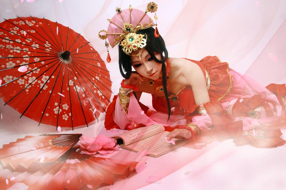 Nữ hiệp Thất Tú quyến rũ với sắc đỏ - Ảnh 2