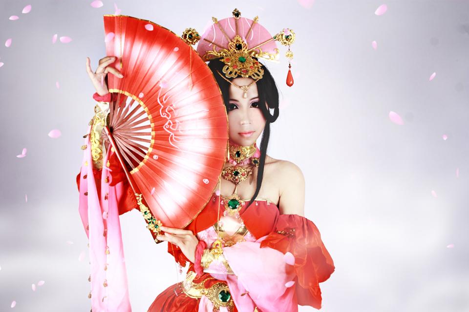 Nữ hiệp Thất Tú quyến rũ với sắc đỏ - Ảnh 5