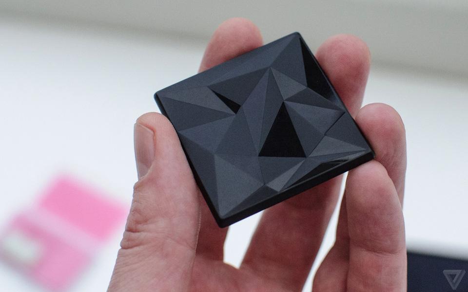 Ảnh thực tế nguyên mẫu điện thoại lắp ghép Project Ara 9