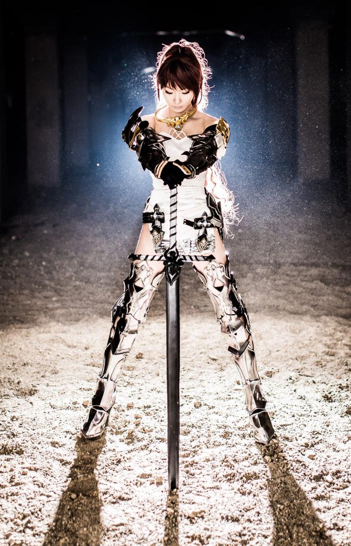 CSL Pion gợi cảm với cosplay Knight trong Bless - Ảnh 6