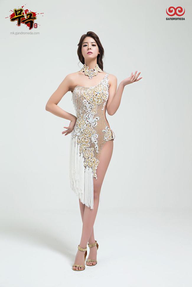 Fuji Mina quyến rũ như một nữ thần - Ảnh 4