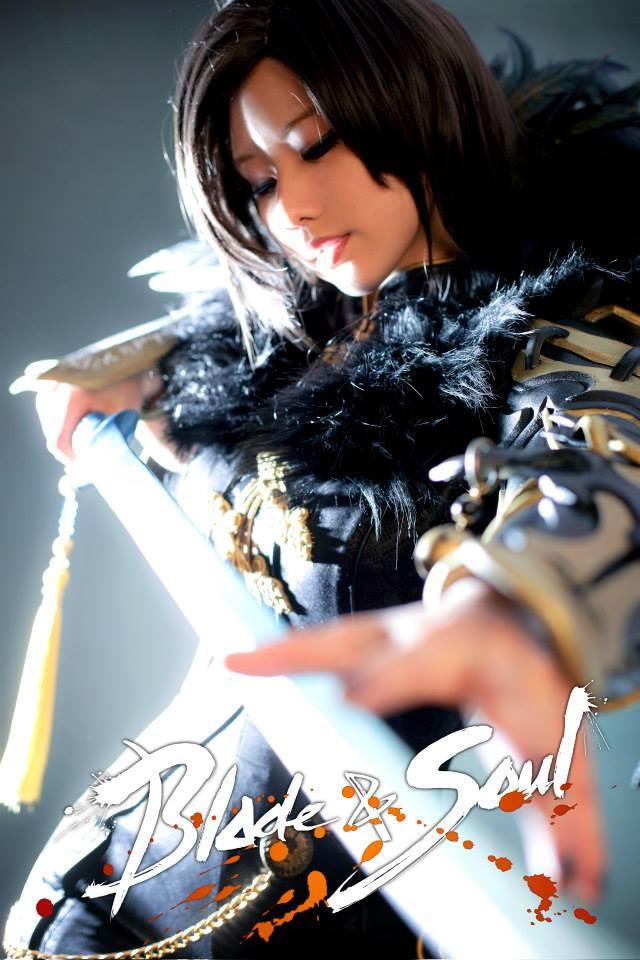 Tasha cực gợi cảm với cosplay Blade & Soul 3