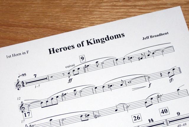 Jeff Broadbent là nhà soạn nhạc cho Thời Đại Anh Hùng 3