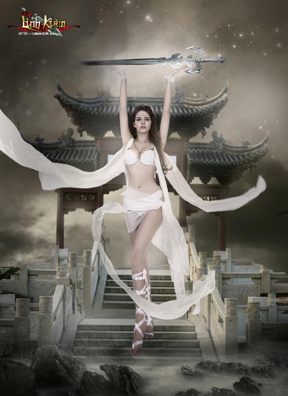 Andrea Aybar cực sexy trong ảnh quảng bá Linh Kiếm 6
