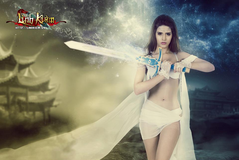 Andrea Aybar cực sexy trong ảnh quảng bá Linh Kiếm 8