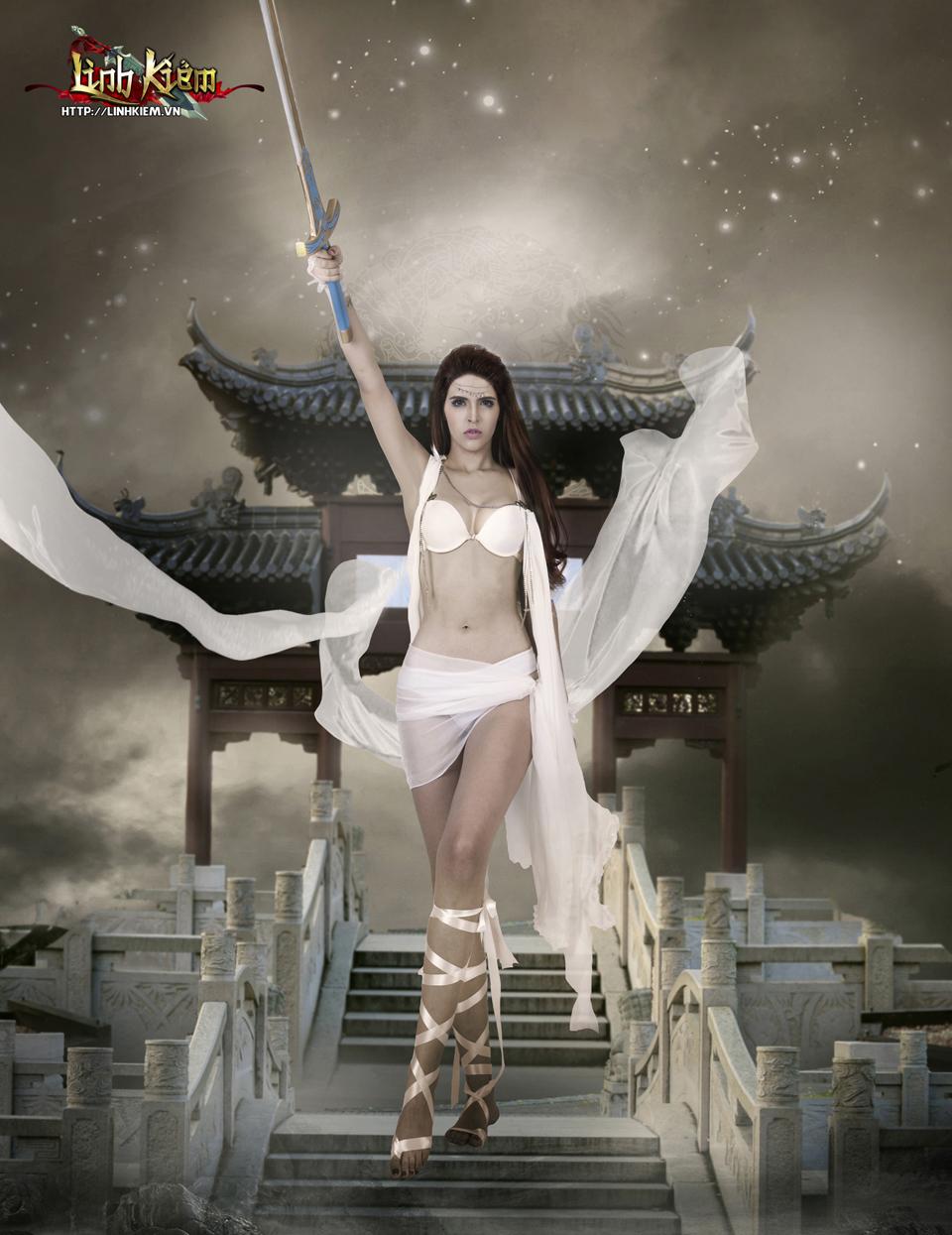 Andrea Aybar cực sexy trong ảnh quảng bá Linh Kiếm 14