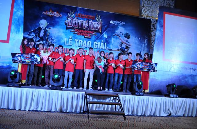 Toàn cảnh lễ trao giải Liên Minh Tour mùa 1 3