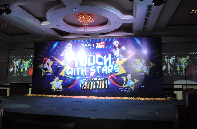 "Nhìn lại offline ""Touch with stars"" tại TP.HCM 8"