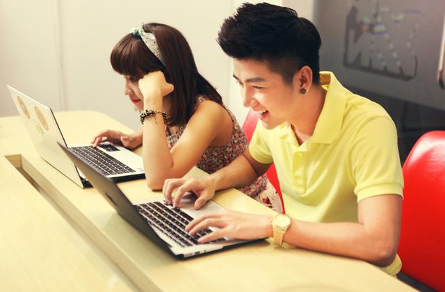 Dàn sao YAN hứng khởi với Touch Online 6