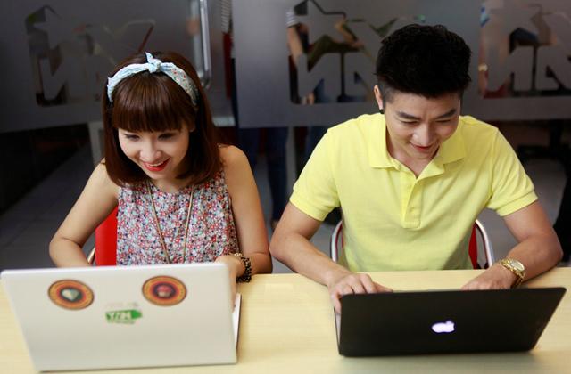 Dàn sao YAN hứng khởi với Touch Online 16