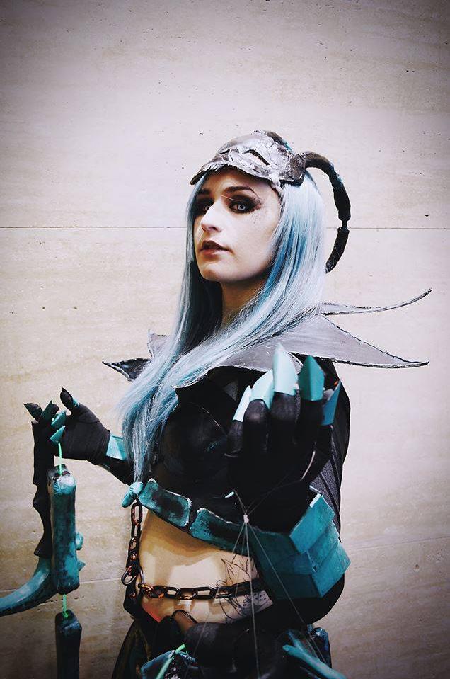 Ngắm cosplay Thresh phiên bản nữ cực ma mị - Ảnh 4
