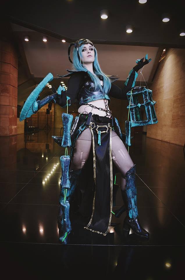 Ngắm cosplay Thresh phiên bản nữ cực ma mị - Ảnh 7