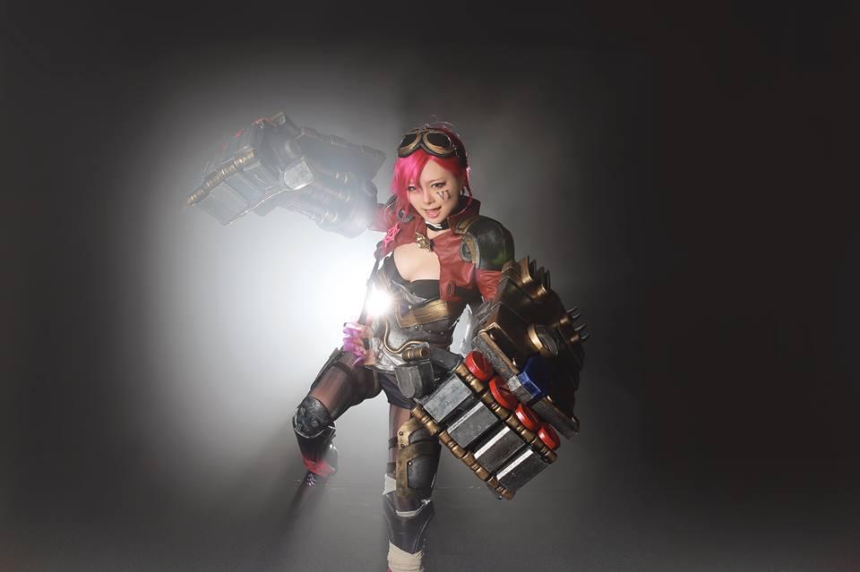 Ngắm cosplay Vi và Jinx cực quyến rũ - Ảnh 3