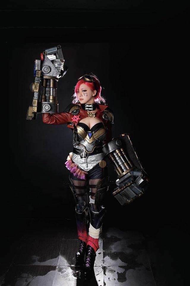 Ngắm cosplay Vi và Jinx cực quyến rũ