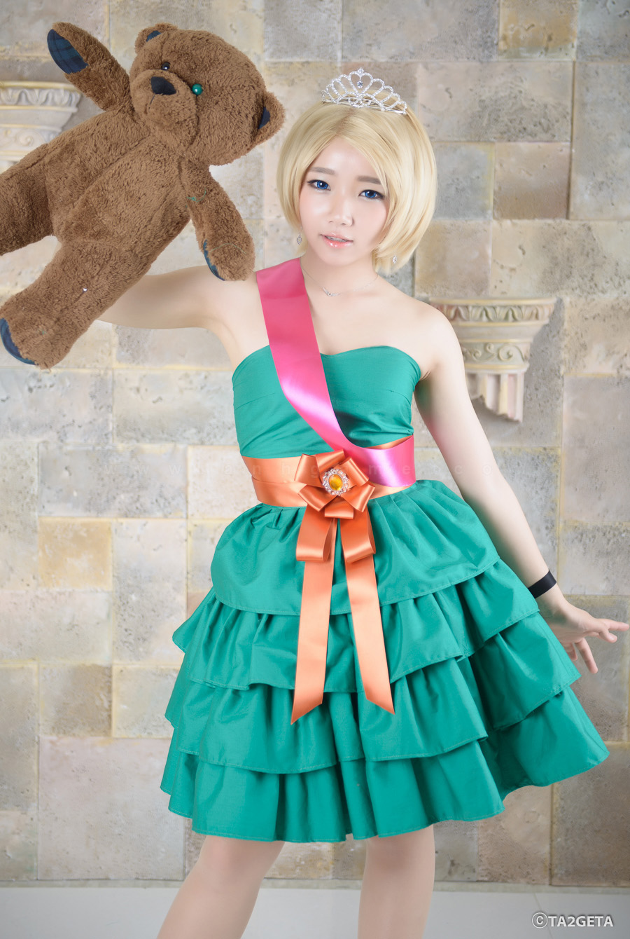 Ngắm cosplay Annie Hoa Hậu cực xinh - Ảnh 8