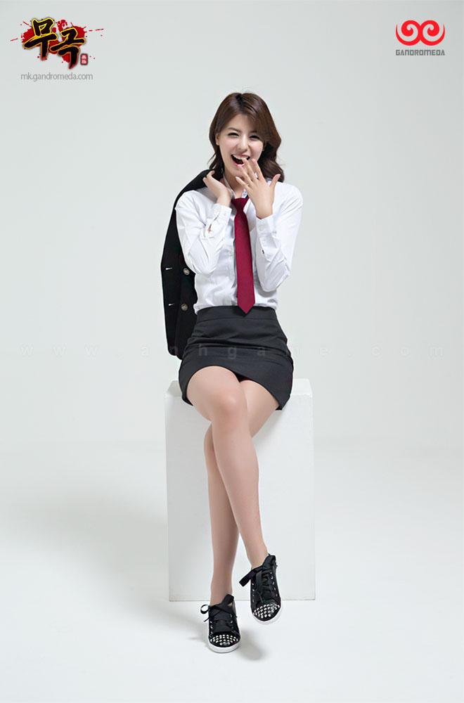 Fuji Mina cực quyến rũ với trang phục nữ sinh - Ảnh 3