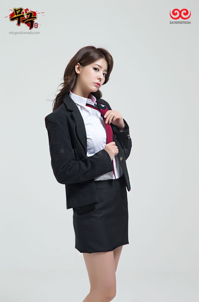 Fuji Mina cực quyến rũ với trang phục nữ sinh - Ảnh 6